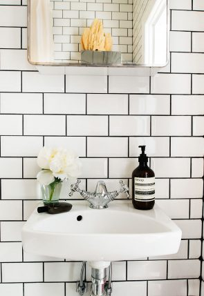 contrasting grout with subway style tile